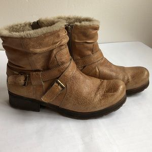 Bare traps textured leather boots